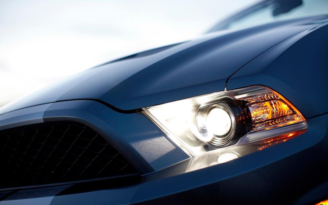 Выбираем лак для восстановления прозрачности фар автомобиля