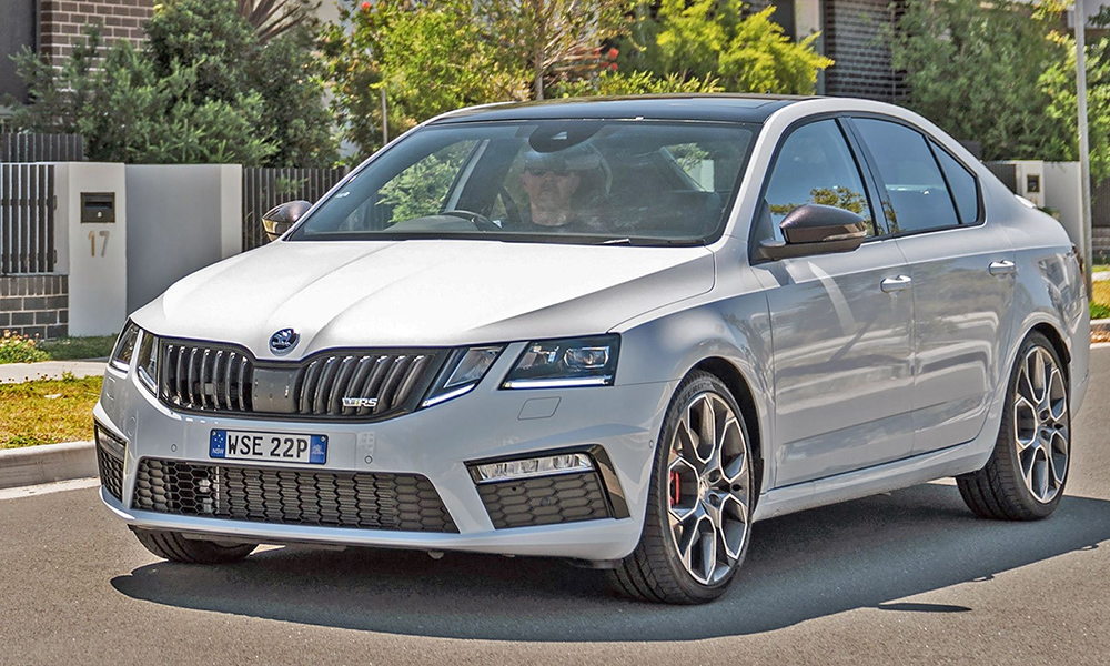 ТОП-10 автомобилей до полутора миллионов рублей в 2019 году