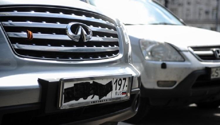 Водителей будут лишать прав за грязные номера