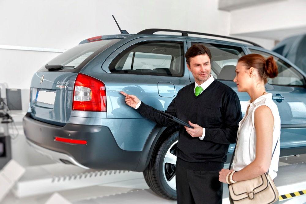 Стоит ли покупать машину с пробегом в автосалоне
