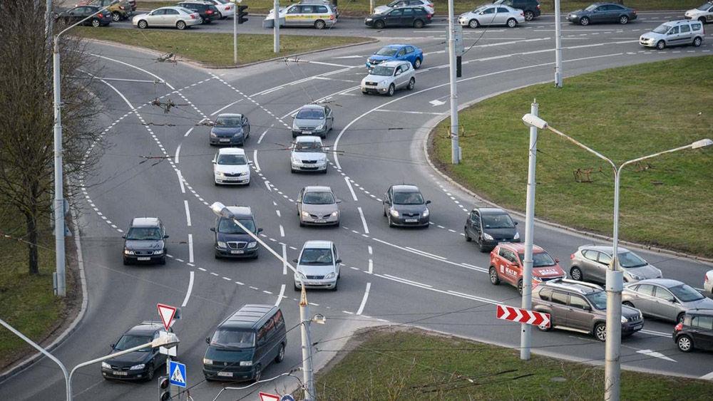 Правила движения по нерегулируемому перекрёстку