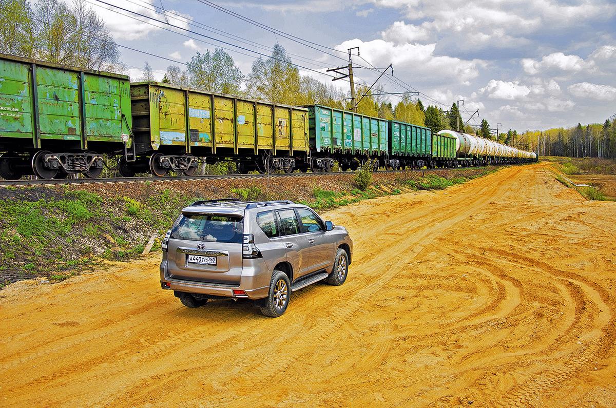 Длительный тест Toyota Land Cruiser Prado: сравниваем версии с дизелем и бензиновым V6, на пневме и с пружинной подвеской
