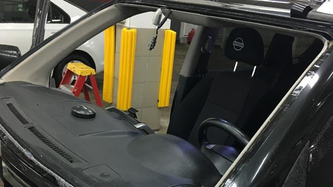 Пошаговая инструкция по замене лобового стекла на автомобилях Nissan X-Trail T30, T31