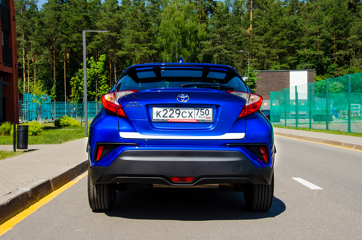 Длительный тест Toyota C-HR. Школа молодого бойца