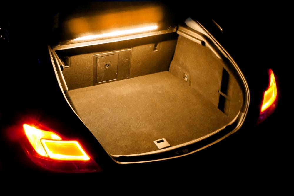 Как самостоятельно сделать подсветку для багажника в автомобиле