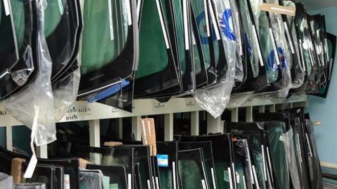 Как правильно заменить лобовое стекло на Skoda Octavia Tour