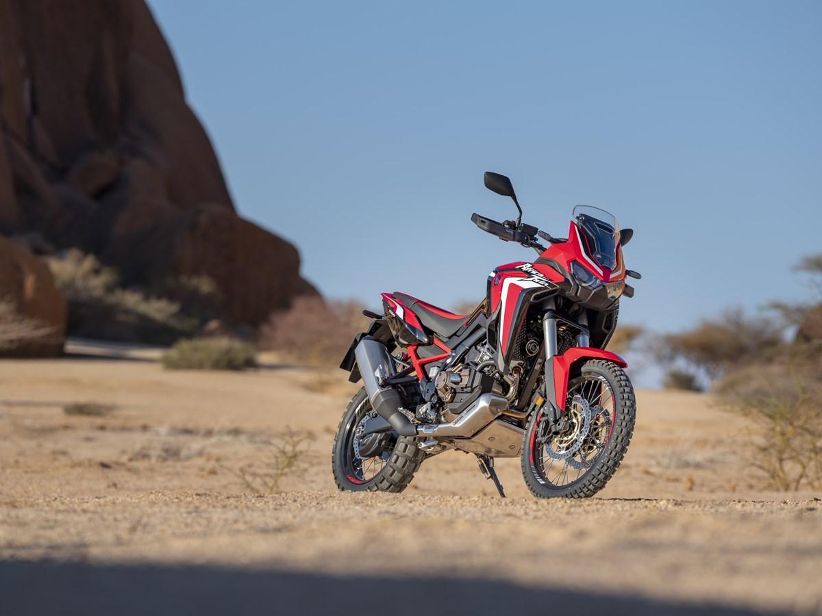 Honda представила новые Africa Twin и Africa Twin Adventure Sports: больше тяги, баланса и «мозгов», меньше веса