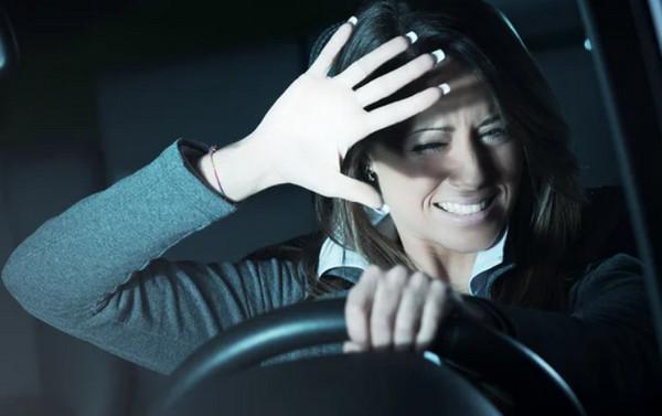 Как правильно ездить ночью: 10 важных правил