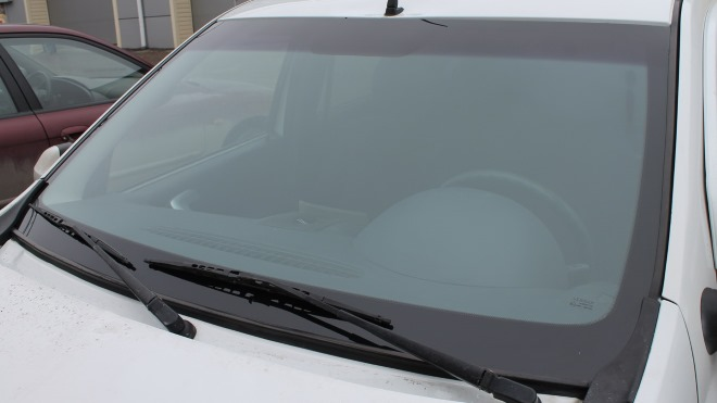 Как правильно заменить лобовое и заднее стекло на Renault Logan