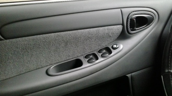Как правильно снять обшивку на передней двери Chevrolet Lanos
