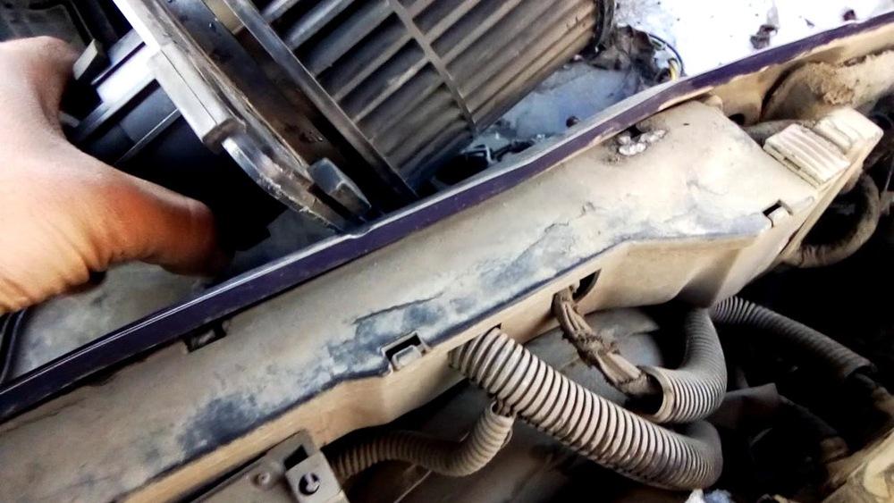 Как самостоятельно заменить электровентилятор печки на Газели