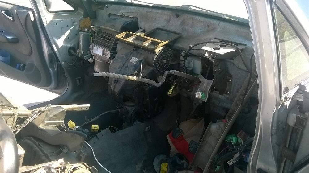 Как самостоятельно заменить радиатор печки Honda Fit