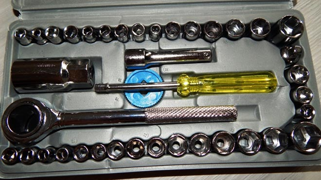 Особенности замены внутренней и наружной ручки двери в Лада Гранта
