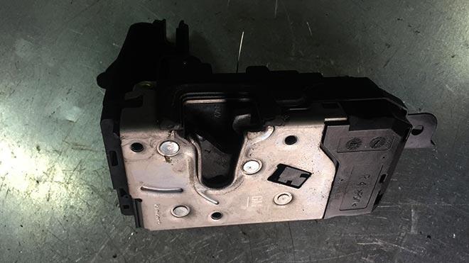 Проблемы с открыванием дверей в Opel Astra H и решения