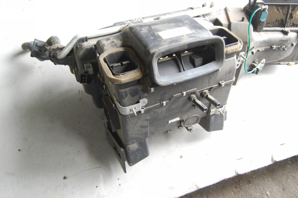 Почему на Mercedes W202 может не работать печка и как это исправить