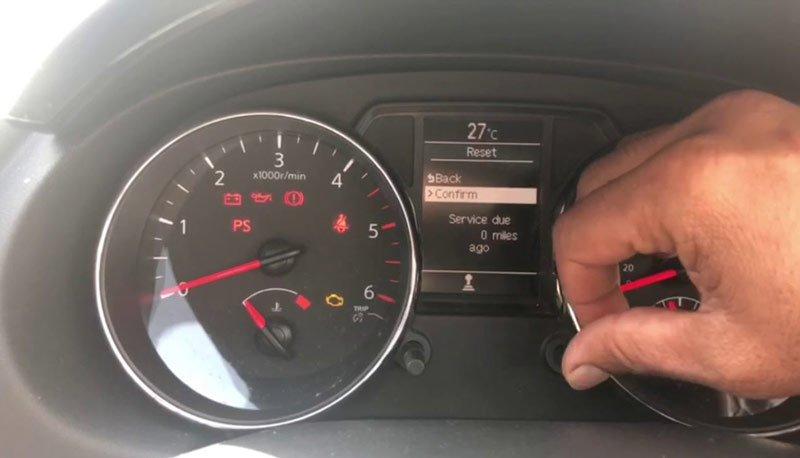 Как самостоятельно сбросить межсервисный интервал на кроссоверах Nissan Qashqai