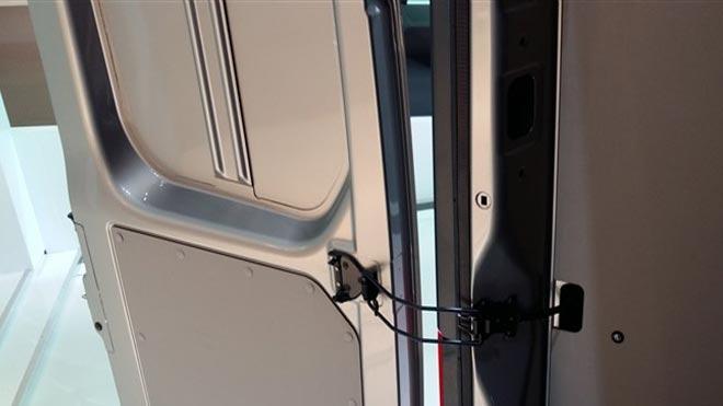 Что делать, если не открывается боковая дверь на Газели