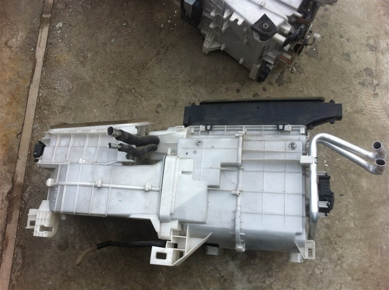 Как самостоятельно очистить радиатор печки на Toyota Prado