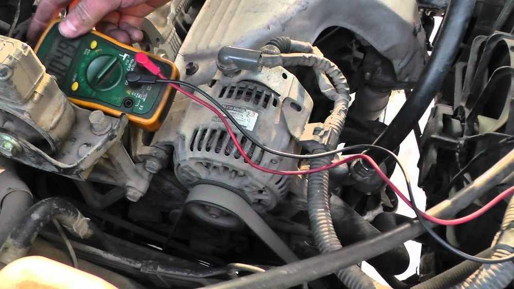 Почему не горит лампа аккумулятора при включении зажигания и как это исправить