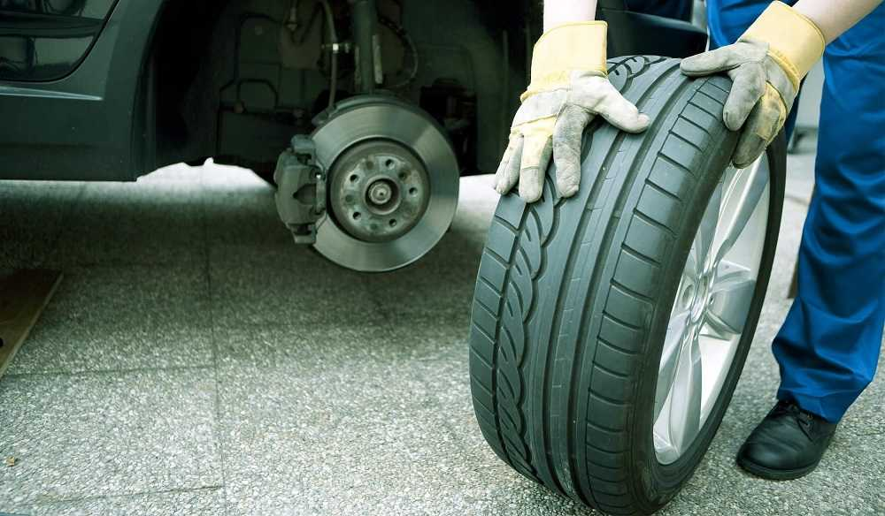 Зачем нужно менять местами колёса на автомобиле