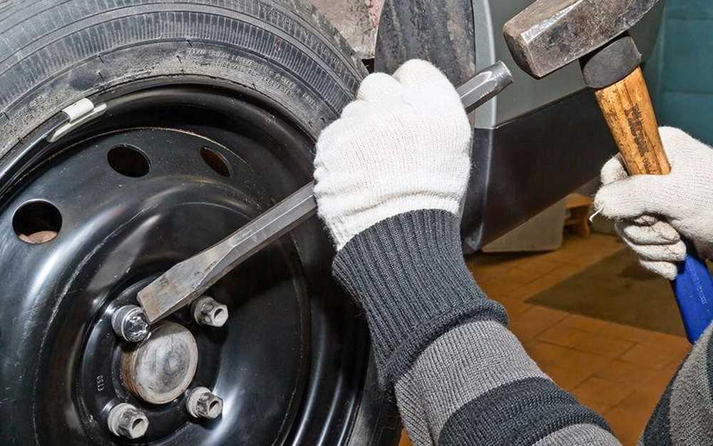 Как самостоятельно открутить и закрутить колёсные болты на автомобиле