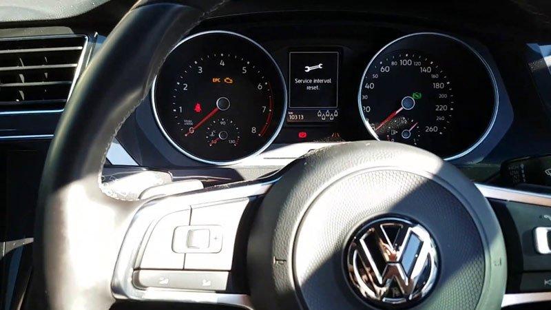 Как самостоятельно сбросить сервисный интервал на кроссовере Volkswagen Tiguan
