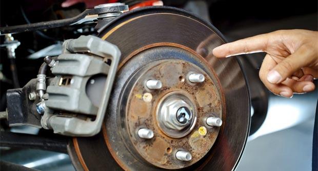 Как устранить скрип тормозных колодок?