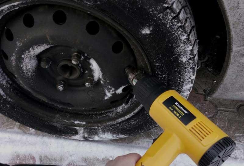 Почему может заклинить ручник на автомобиле и как это исправить