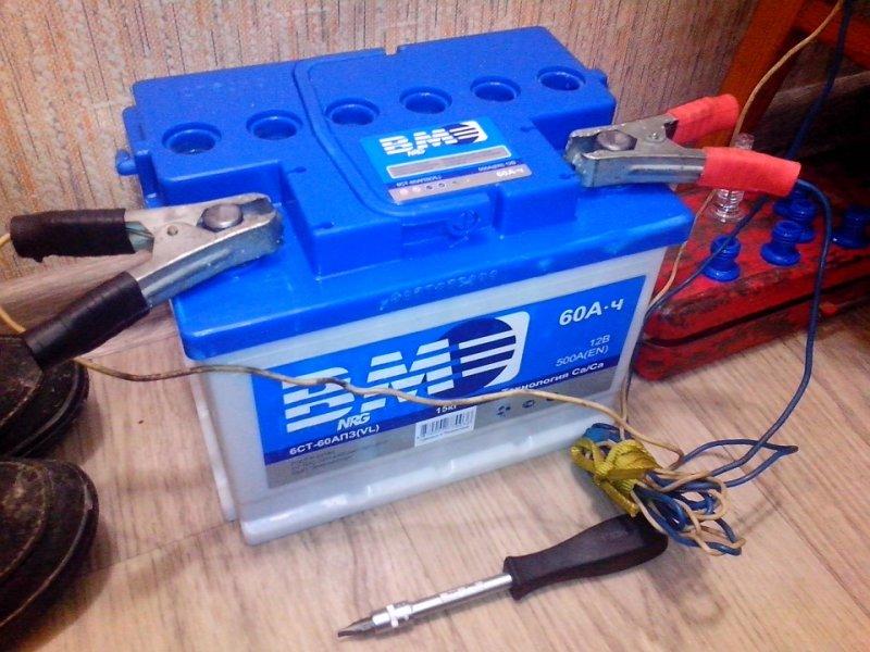 Почему аккумулятор кипит во время зарядки и что делать в такой ситуации