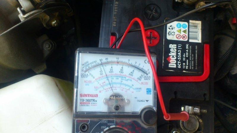 Способы решения проблемы, когда одна банка аккумулятора при зарядке не кипит