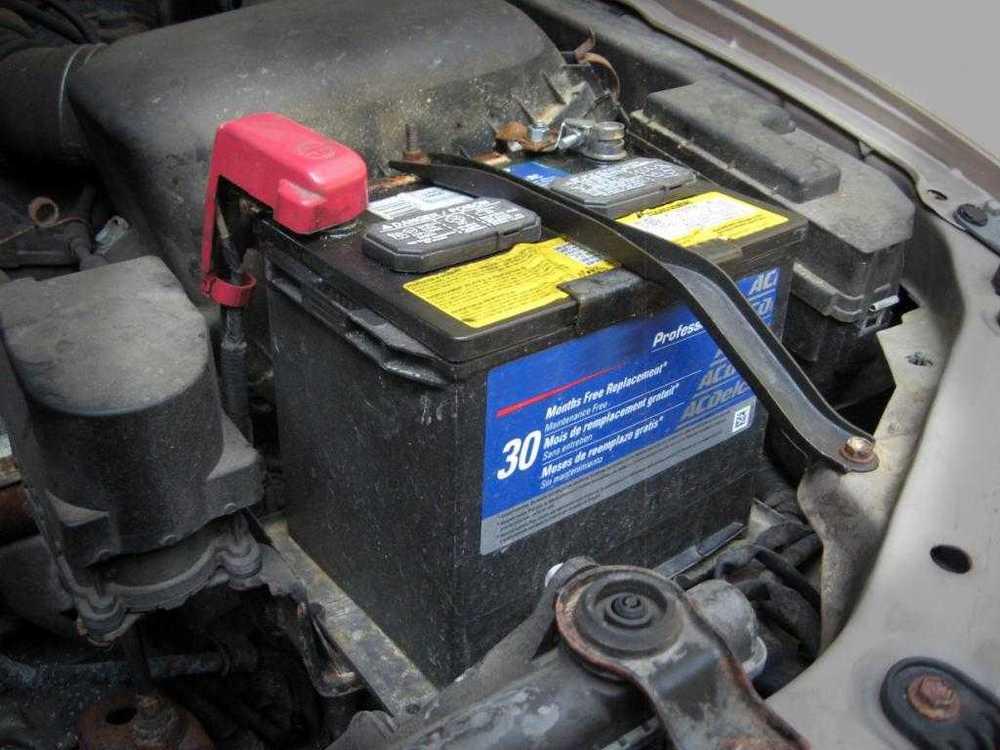Каким образом подзарядить в автомобиле аккумулятор, не имея зарядного устройства