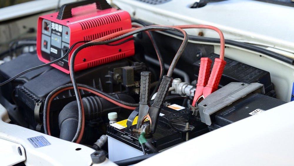 Сколько нужно времени на зарядку автомобильного аккумулятора