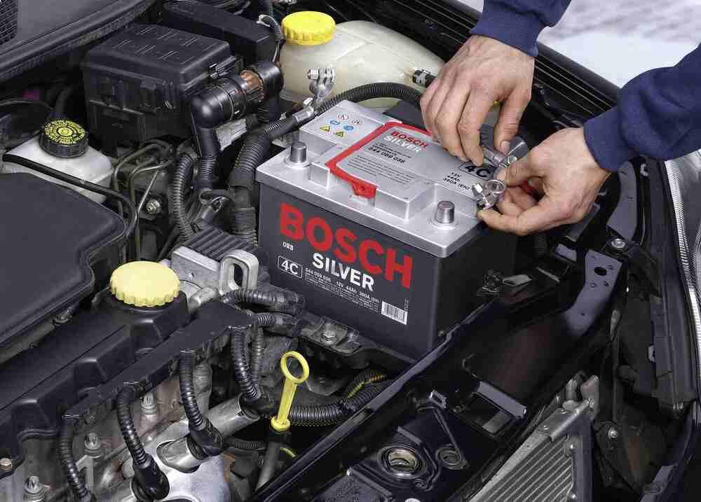 Замена старого аккумулятора на новый – где и как её осуществить