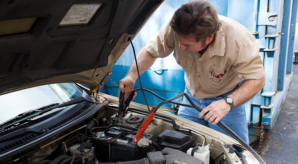 Как правильно установить и подключить автомобильный аккумулятор